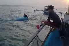 Perahu nelayan asal Sukabumi terbalik di perairan laut Cianjur